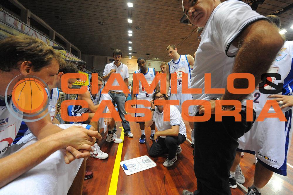 DESCRIZIONE : Novara Torneo di Novara Lega A 2011-12 Bennet Cantu Astana<br /> GIOCATORE : Team Cantu <br /> CATEGORIA :  Time Out<br /> SQUADRA : Bennet Cantu Astana<br /> EVENTO : Campionato Lega A 2011-2012<br /> GARA : Bennet Cantu Astana<br /> DATA : 11/09/2011<br /> SPORT : Pallacanestro<br /> AUTORE : Agenzia Ciamillo-Castoria/GiulioCiamillo<br /> Galleria : Lega Basket A 2011-2012<br /> Fotonotizia : Novara Torneo di Novara Lega A 2011-12 Bennet Cantu Astana<br /> Predefinita :