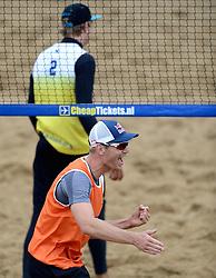 16-08-2014 NED: NK Beachvolleybal 2014, Scheveningen<br /> Alexander Brouwer en Steven van de Velde