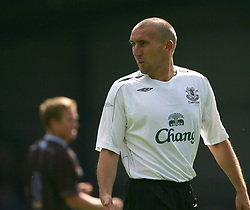 Bury, England - Saturday, July 7, 2007: Everton's Alan Stubbs sports a shaved head for the friendly  against Bury during a pre-season friendly at Gigg Lane. (Photo by Dave Kendall/Propaganda)