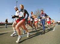 Hansaplast Marathon Hamburg<br />               Feature