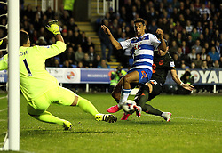 Nick Blackman of Reading FC scores the opening goal - Mandatory byline: Robbie Stephenson/JMP - 07966 386802 - 22/09/2015 - FOOTBALL - Madejski Stadium - Reading, England - Reading v Everton - Capital One Cup