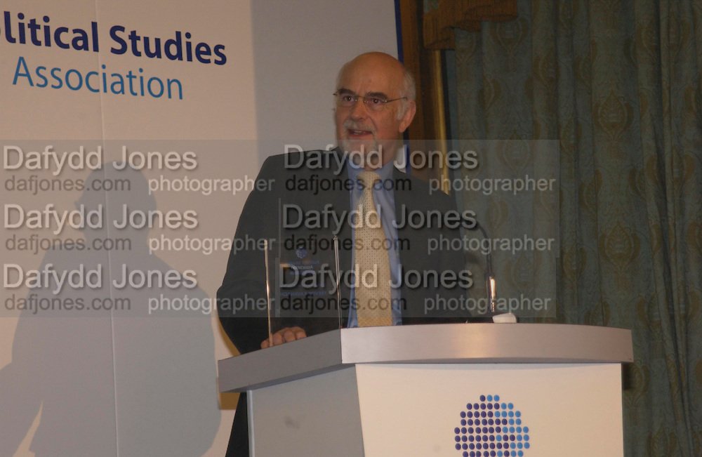 Trevor Kavanagh, Political Studies Association Awards 2004. Institute of Directors, Pall Mall. London SW1. 30 November 2004.  ONE TIME USE ONLY - DO NOT ARCHIVE  © Copyright Photograph by Dafydd Jones 66 Stockwell Park Rd. London SW9 0DA Tel 020 7733 0108 www.dafjones.com