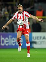 Fotball<br /> Tyskland<br /> 01.11.2011<br /> Foto: Witters/Digitalsport<br /> NORWAY ONLY<br /> <br /> Olof Mellberg (Piraeus)<br /> <br /> Champions League, Gruppenphase, Borussia Dortmund - Olympiakos Piraeus / Olympiacos