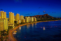Waikiki Beach with Diamond Head crater on the right, Honolulu, Oahu, Hawaii USA