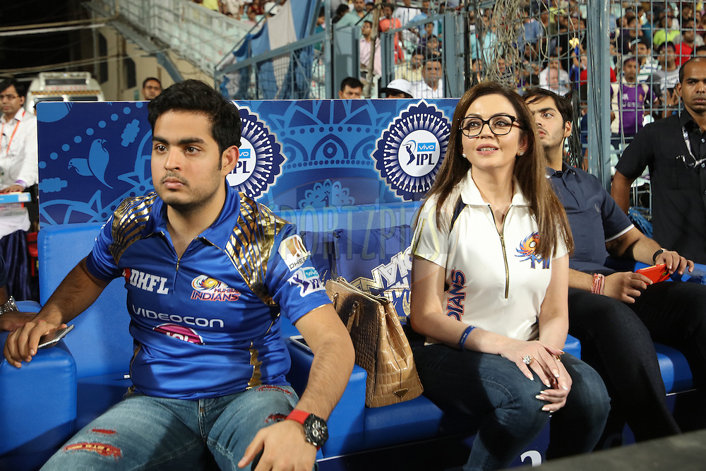 MI co owner Nita AMbani(C) with his two son Anant(R) and Akash during match 5 of the Vivo Indian Premier League ( IPL ) 2016 between the Kolkata Knight Riders and the Mumbai Indians held at the Eden Gardens Stadium in Kolkata on the 13th April 2016<br /> <br /> Photo by Saikat Das/ IPL/ SPORTZPICS