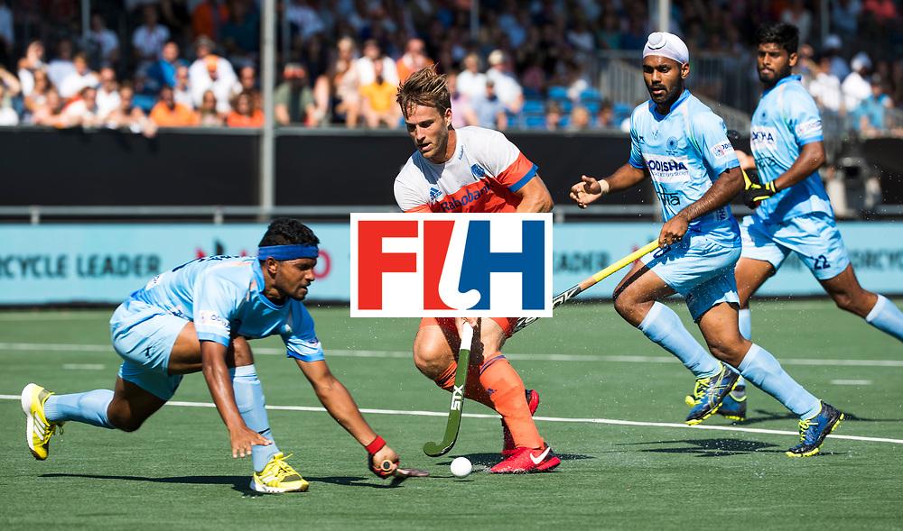 BREDA - Jeroen Hertzberger (Ned)  tijdens Nederland- India (1-1) bij  de Hockey Champions Trophy. India plaatst zich voor de finale.  COPYRIGHT KOEN SUYK