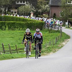 Ronde van Gelderland 2012 Olga Zabelinskaja en Linda Ringlever
