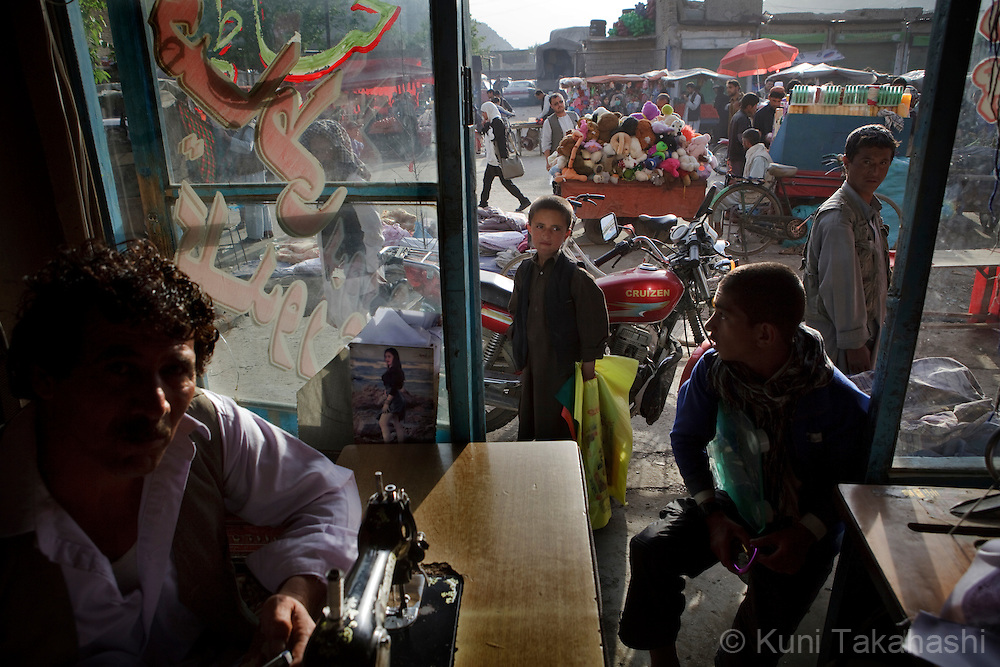(Kabul, Afghanistan - May 8, 2012).Busy market in Old town neighborhood in Kabul on May 8, 2012. Life goes on in the war-torn country..(Photo by Kuni Takahashi)