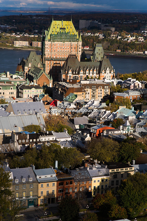 Canada. Quebec. general and aerial view of the city. the chateau hotel Frontenac, the old city and the Saint Laurent river   / vue generale et aerienne de la ville. le chateau hotel frontenac, la vielle ville et le fleuve Saint Laurent
