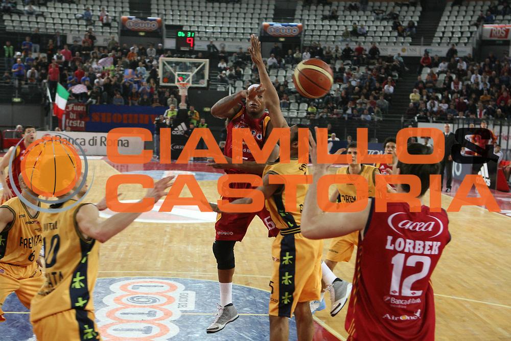 DESCRIZIONE : Roma Lega A1 2007-08 Lottomatica Virtus Roma Premiata Montegranaro<br />GIOCATORE : David Hawkins<br />SQUADRA : Lottomatica Virtus Roma<br />EVENTO : Campionato Lega A1 2007-2008 <br />GARA : Lottomatica Virtus Roma Premiata Montegranaro<br />DATA : 17/04/2008 <br />CATEGORIA : Passaggio<br />SPORT : Pallacanestro <br />AUTORE : Agenzia Ciamillo-Castoria/G.Ciamillo