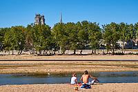 France, Region Centre-Val de Loire, Loiret (45), Orléans, les bords de Loire et la cathédrale Sainte-Croix // France, Loiret, Orleans, Loire bank and Sainte-Croix cathedral