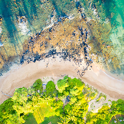 Maui Hawaii aerial drone downward view photo of Wailea-Makena beach shoreline and Pacific Ocean in-between Mokapu Beach and Keawakapu Beach. Copyright ⓒ 2019 Paul Velgos with All Rights Reserved.