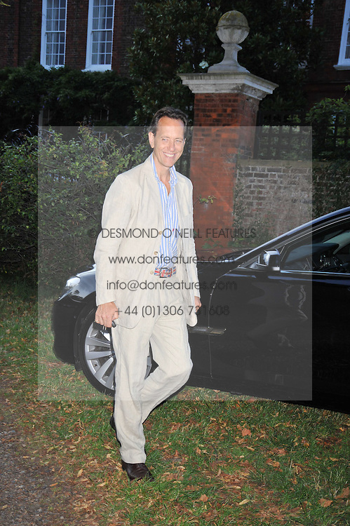 RICHARD E GRANT at a Summer party hosted by Lady Annabel Goldsmith at her home Ormeley Lodge, Ham, Surrey on 14th July 2009.