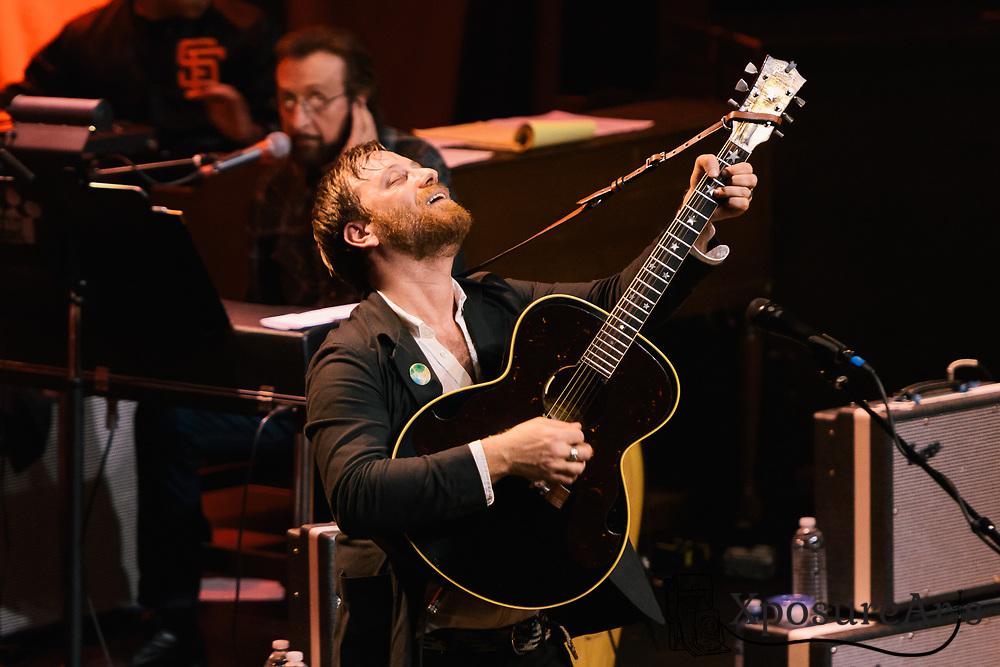 Dan Auerbach performs at The Fillmore in San Francisco, CA. Photos: Karen Goldman. Instagram: @xposurearts <br /> Website: www.xposurearts.com