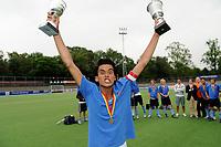 hockey, seizoen 2010-2011, 10-06-2011, amstelveen, Finale Nationale Shell Schoolhockeycompetitie 2011, Jongens Oud Rijnlands Lyceum Wassenaar - Maartenscollege Haren 6-0, Rijnlands Lyceum Wassenaar Aanvoerder Arie Torres