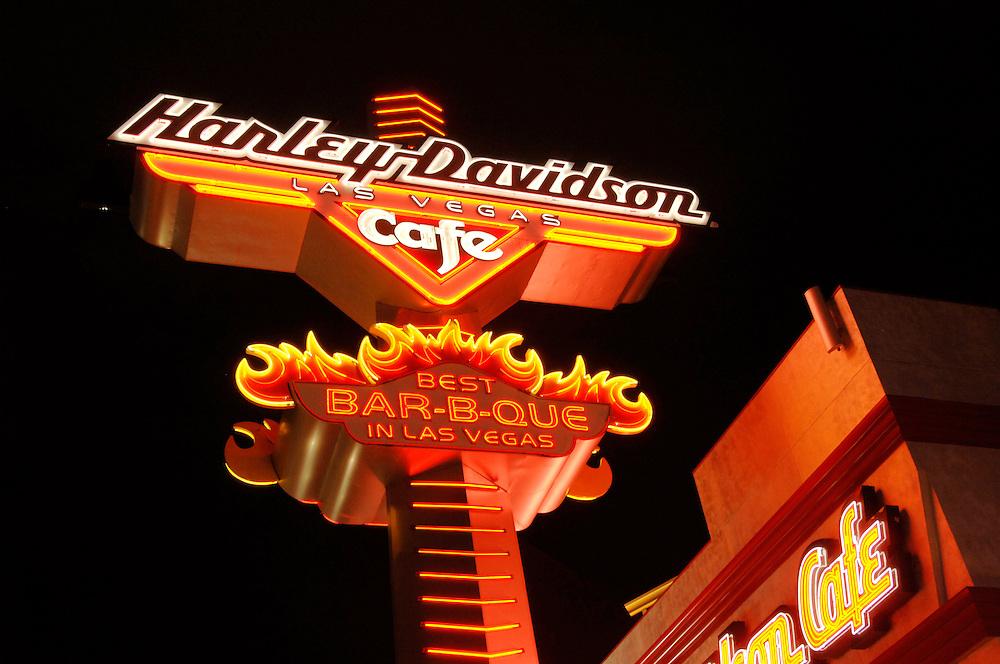 USA Nevada Las Vegas Harley Davidson Cafe Nachtstimmung Gastronomie Las Vegas Boulevard The Strip Nachtleben (Farbtechnik sRGB 34.74 MByte vorhanden) Geography / Travel .