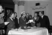 01/06/1964<br /> 06/01/1964<br /> 01 June 1964<br /> Language Organisations reception at the Shelbourne Hotel, Dublin for signing of declaration regarding the future of the Irish language. Among the leading personalities gathered to sign the National Declaration regarding the future of the Irish Language were Mrs. Dorothy Tubridy; Proinnsios Moc a'Bheatha, (Glun na Bua); Miss Neilli Mulcahy (Fashion designer); Captain Tom Scully, F.A.I.; Mr. Joe Wyckham, (National Secretary F.A.I.) and Domhnall O'Morain, Chairman Gael Linn.