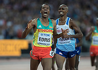 Athletics - 2017 IAAF London World Athletics Championships - Day Nine, Evening Session<br /> <br /> Mens 5000m Final<br /> <br /> Muktar Edris (Ethiopia) beats an anguished looking Mo Farah (Great Britain) to win the gold medal for his country at the London Stadium<br /> <br /> COLORSPORT/DANIEL BEARHAM