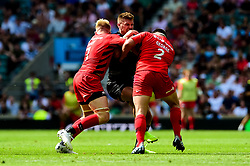 Henry Slade of Exeter Chiefs is challenged by Jackson Wray of Saracens and Jamie George of Saracens - Mandatory by-line: Ryan Hiscott/JMP - 01/06/2019 - RUGBY - Twickenham Stadium - London, England - Exeter Chiefs v Saracens - Gallagher Premiership Rugby Final