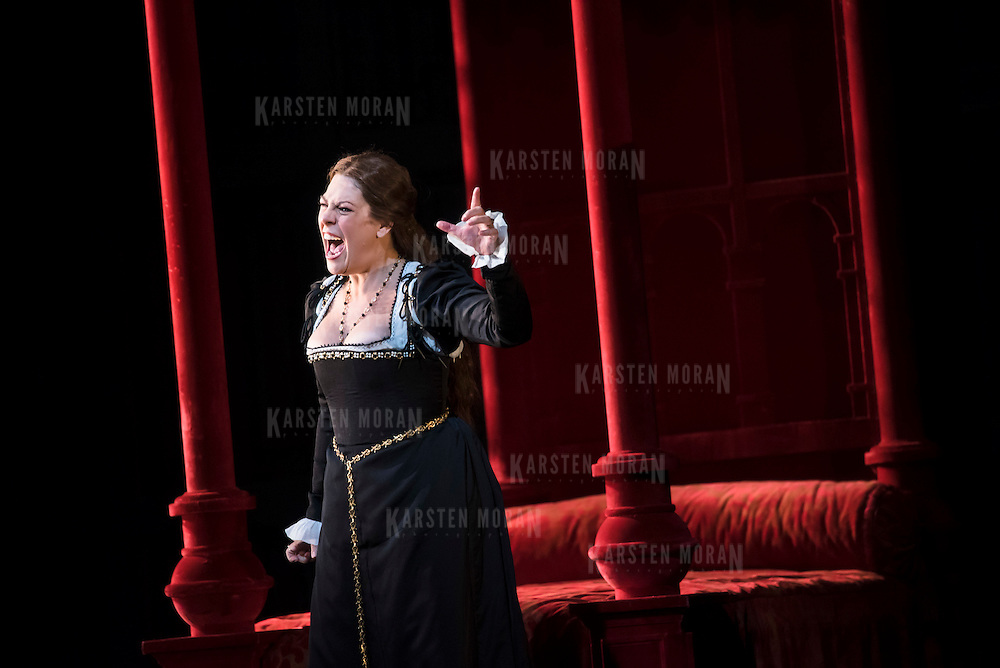 September 23, 2015 - New York, NY : Sondra Radvanovsky performs as Anna Bolena in a dress rehearsal for Gaetano Donizetti's 'Anne Bolena' at the Metropolitan Opera at Lincoln Center on Wednesday. CREDIT: Karsten Moran for The New York Times