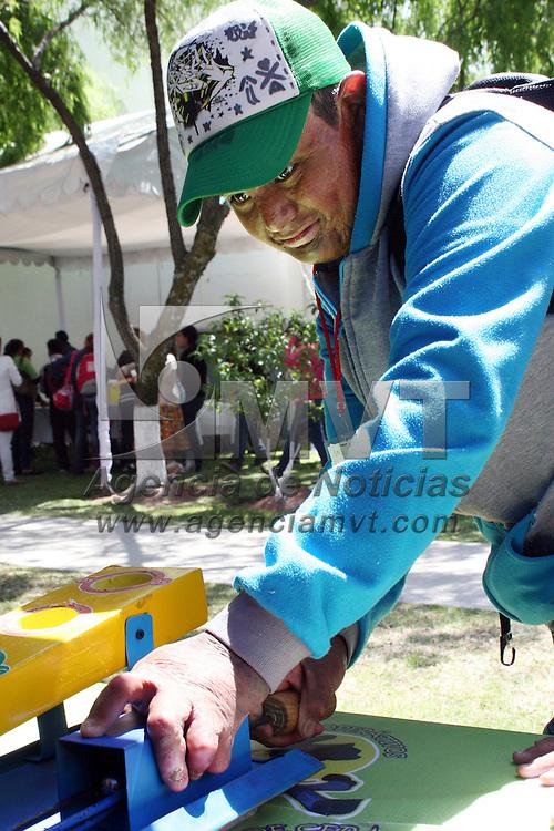 Toluca, México.- Niños y jóvenes  participaron en el inicio de la Jornada de cirugías extramuros y valoración de pacientes con secuelas de quemaduras en el Hospital Nicolás San Juan.  Agencia MVT / José Hernández