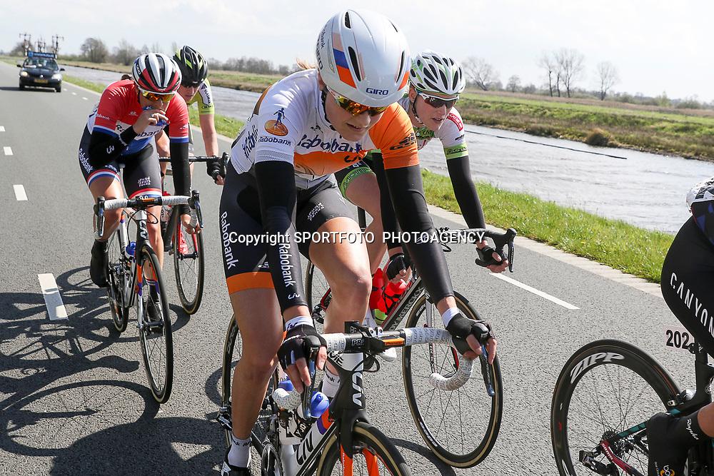 16-04-2016: Wielrennen: IJsseldelta Topcompetitie vrouwen: Zwolle<br />ZWOLLE (NED) wielrennen <br />Wind was in deze editie de grootste tegenstanders van de vrouwen. Jeanne Korevaar, Monique van der Ree, Lucinda Brand in de kopgroep