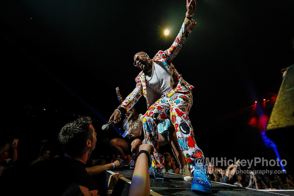 INDIANAPOLIS, IN - JUN 19: Flo Rida performs at the WZPL Birthday Bash on June 19, 2015 in Indianapolis, Indiana. (Photo by Michael Hickey/Getty Images) *** Local Caption *** Flo Rida