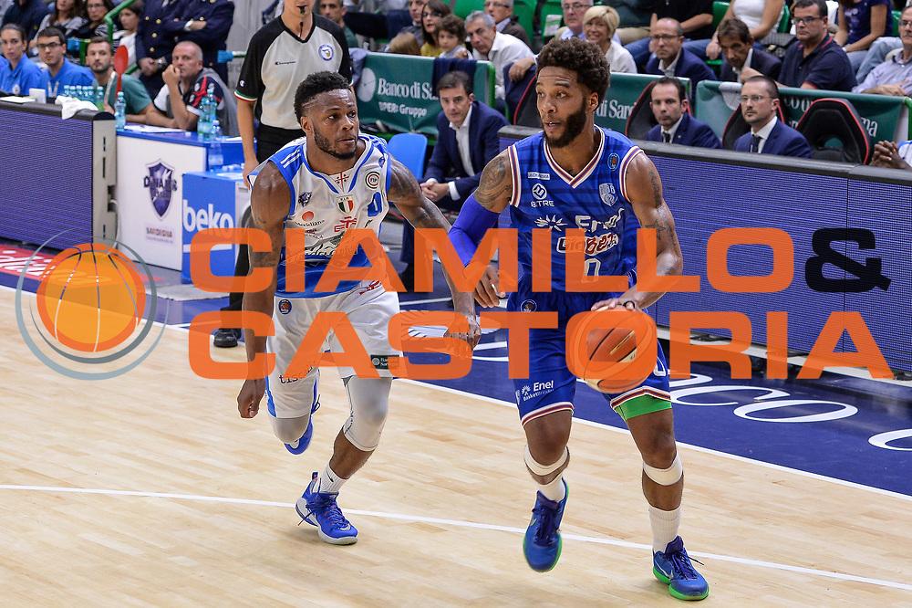 DESCRIZIONE : Beko Legabasket Serie A 2015- 2016 Dinamo Banco di Sardegna Sassari - Enel Brindisi<br /> GIOCATORE : Adrian Banks<br /> CATEGORIA : Palleggio Penetrazione<br /> SQUADRA : Enel Brindisi<br /> EVENTO : Beko Legabasket Serie A 2015-2016<br /> GARA : Dinamo Banco di Sardegna Sassari - Enel Brindisi<br /> DATA : 18/10/2015<br /> SPORT : Pallacanestro <br /> AUTORE : Agenzia Ciamillo-Castoria/L.Canu