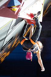 08.09.2018, Kletterzentrum, Innsbruck, AUT, IFSC, Kletter WM Innsbruck 2018, Halbfinale, Damen, Vorstieg, im Bild Margo Hayes (USA) // Margo Hayes of the USA during Semi-Finals of Women Lead for the IFSC Climbing World Championships 2018 at the Kletterzentrum in Innsbruck, Austria on 2018/09/08. EXPA Pictures © 2018, PhotoCredit: EXPA/ Johann Groder