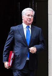London, October 24 2017. Defence Secretary Michael Fallon leaves the UK cabinet meeting at Downing Street. © Paul Davey