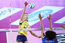 09-12-2017 ITA: Igor Gorgonzola Novara - Imoco Volley Conegliano, Novara<br /> Robin de Kruijf #5 of Imoco Volley Conegliano<br /> <br /> *** Netherlands use only ***