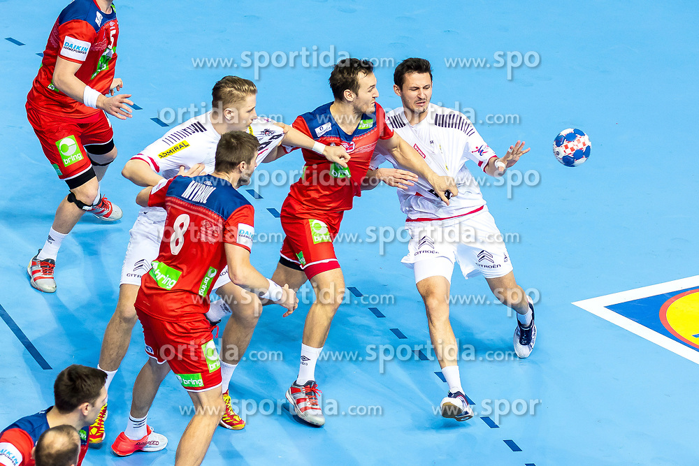 12.05.2017, Zatika Sport Centre, Porec, CRO, EHF EM, Herren, Österreich vs Norwegen, Gruppe B, im Bild v.l. Bjarte Myrhol (NOR), Wilhelm Jelinek (AUT), Christian O'Sullivan (NOR), Thomas Kandolf (AUT) // during the preliminary round, group B match of the EHF men's Handball European Championship between Austria and Norway at the Zatika Sport Centre in Porec, Croatia on 2017/05/12. EXPA Pictures © 2018, PhotoCredit: EXPA/ Sebastian Pucher