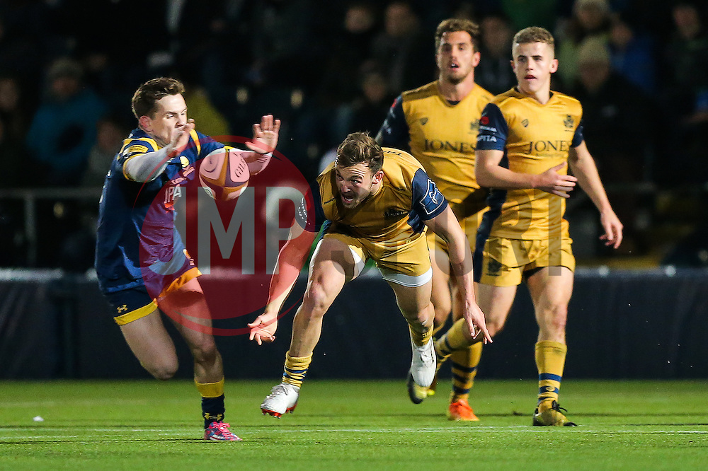 Andy Uren of Bristol Rugby passes - Rogan Thomson/JMP - 04/11/2016 - RUGBY UNION - Sixways Stadium - Worcester, England - Worcester Warriors v Bristol Rugby - The Anglo Welsh Cup.