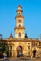 Inde, Gujarat, Junagadh, porte de la vielle ville, tour de l'horloge // India, Gujarat, Junagadh, old city door, clock tower