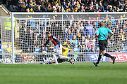 Luton Town's Joe Pigott equalises for his team, 1-1 during the Sky Bet League 2 match between Oxford United and Luton Town at the Kassam Stadium, Oxford, England on 16 April 2016. Photo by Shane Healey.