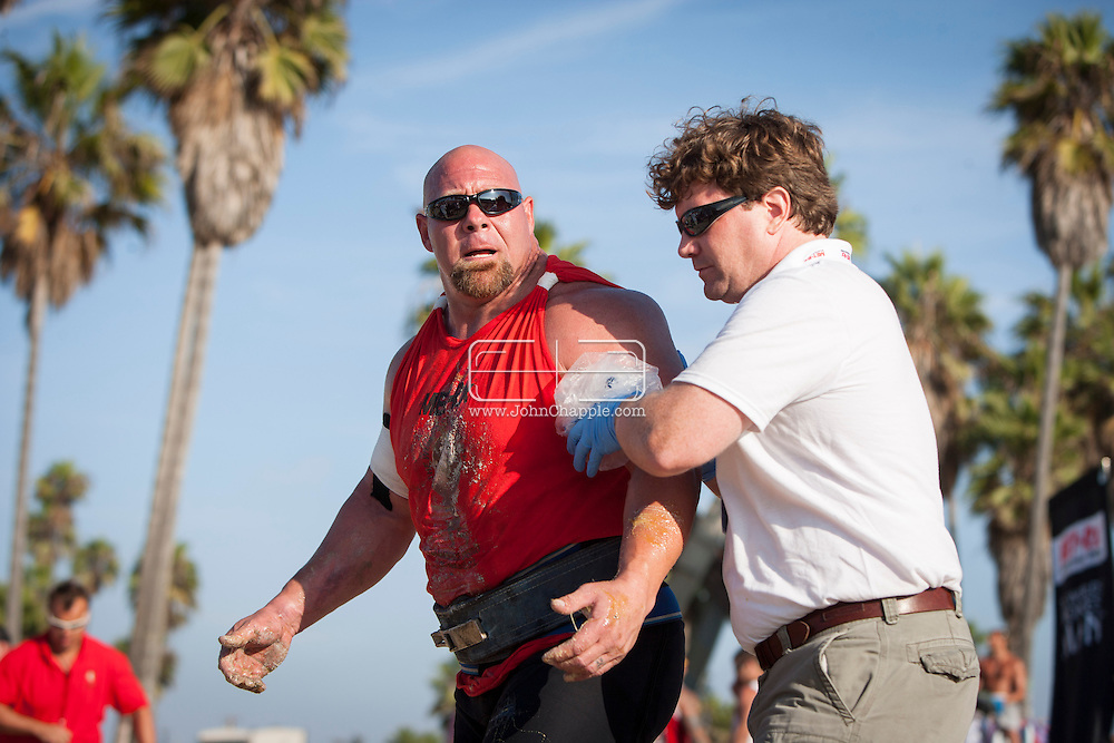 September 27, 2012. Venice Beach, California.  The 2012 MET-Rx World's Strongest Man competition, saw 30 international competitors battle it out on Venice Beach, to win the ultimate strongman title...Photo John Chapple / © IMG Media Ltd..