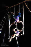 11: KIDS CIRCUS DOUBLE TRAPEZE
