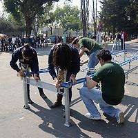 Toluca, México.- Estudiantes de la facultad de Ingeniería de la UAEM realizaron una demostración de proyectos en los que han trabajado a ultimas fechas para participar en competencias nacionales e internacionales. Agencia MVT / Crisanta Espinosa
