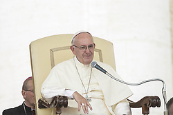 September 21, 2016 - Vatican City, Vatican - Pope Francis celebrates his Weekly General Audience in St. Peter's Square in Vatican City, Vatican. (Credit Image: © Giuseppe Ciccia/Pacific Press via ZUMA Wire)