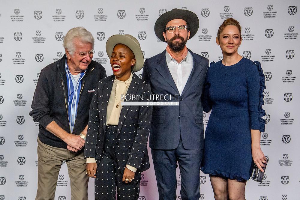 ROTTERDAM - filmfestival opening rode loper en opening van de film lemon  actrice Judy Greer en regisseur Janica Bravo en Brett Gelman  en gerard Cox ROBIN UTRECHT