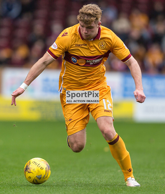 Chris Cadden in action during the match between Motherwell and Ross County (c) ROSS EAGLESHAM | Sportpix.co.uk