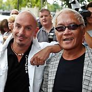 NLD/Amsterdam/20100801 - Inloop premiere musical Crazy Shopping, Lonny gerungan en partner Warren Bright