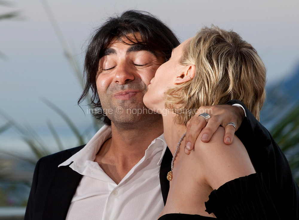Actress Diane Kruger, winning the award for best actress for her part in the film In The Fade (Aus Dem Nichts), and director Fatih Akin at the Award Winner's Photocall at the 70th Cannes Film Festival Saturday 27th May 2017, Cannes, France. Photo credit: Doreen Kennedy