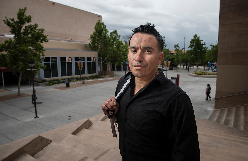 rer051017e/NM&amp;West/May 10, 2017/Albuquerque Journal<br /> UNM graduate profile on Jaime Cervantes, a 40-year old former drug addict who is getting his bachelor's degree in psychology on Saturday and closing in on his MBA.<br /> Roberto E. Rosales/Albuquerque Journal