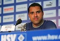 Ailton bei der Pressekonferenz<br /> Fussball Hamburger SV<br /> Norway only