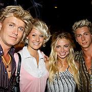 NLD/Amsterdam/20100701 - Presentatie nieuwe Samsung telefoon Galaxy S, Hans Klok met vriendinnen en partner James Jackson Harwood