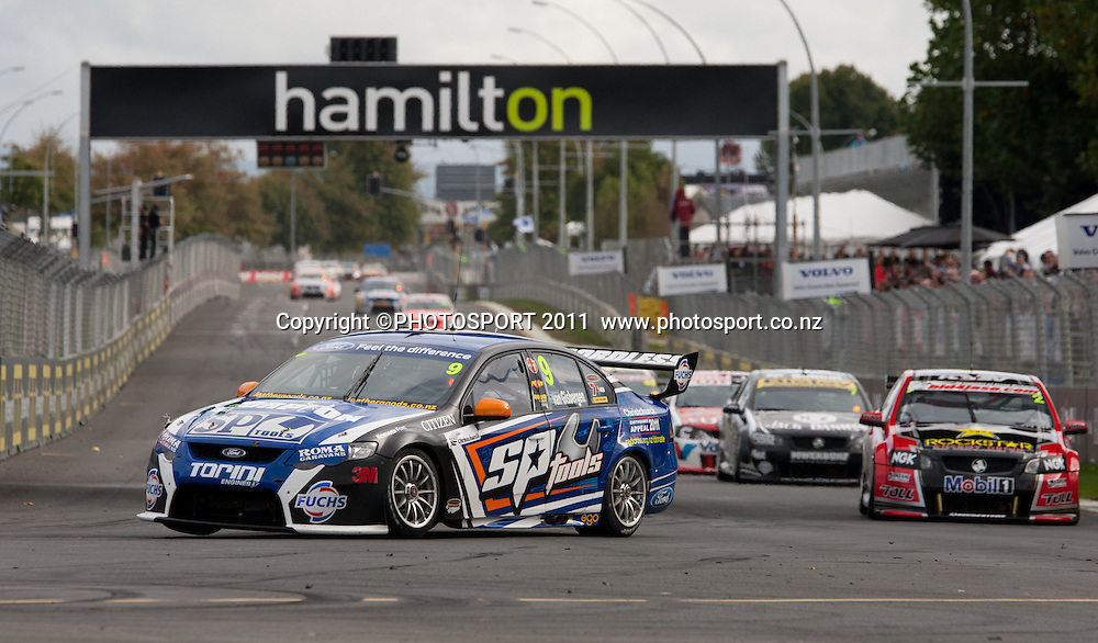 SP Tools Racing driver Shane Van Gisbergen, enters the first turn on his way winning the ITM400 Hamilton on day three of the V8 Supercars event on the street circuit in Frankton, Hamilton, New Zealand. Sunday 17 April 2011. Photo: Stephen Barker/PHOTOSPORT