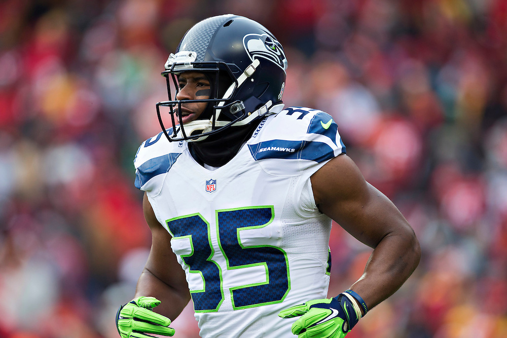 KANSAS CITY, MO - NOVEMBER 16:  DeShawn Shead #35 of the Seattle Seahawks jogs off the field in the second quarter of a game against the Kansas City Chiefs at Arrowhead Stadium on November 16, 2014 in Kansas City, Missouri.  The Chiefs defeated the Seahawks 24-20.  (Photo by Wesley Hitt/Getty Images) *** Local Caption *** DeShawn Shead