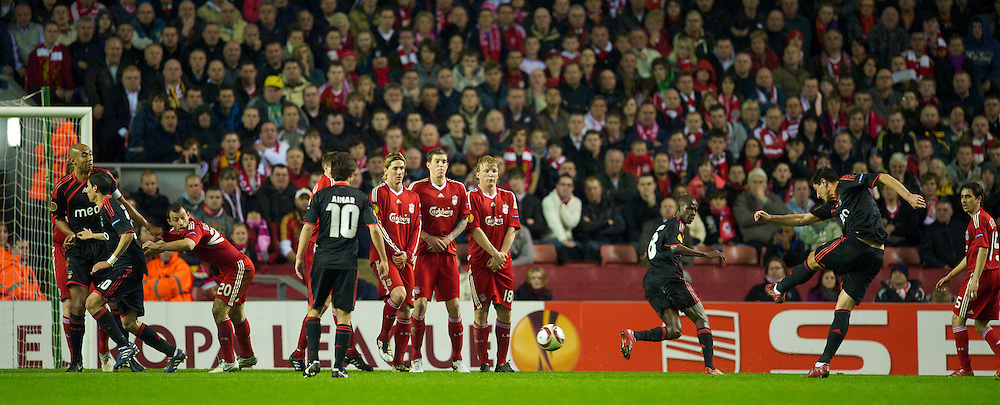 LIVERPOOL, ENGLAND - Thursday, April 8, 2010: Sport Lisboa e Benfica's Oscar Cardozo scores his side's first goal during the UEFA Europa League Quarter-Final 2nd Leg match at Anfield. (Photo by: David Rawcliffe/Propaganda)