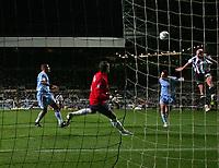 Photo: Andrew Unwin.<br /> Newcastle United v Celta Vigo. UEFA Cup. 23/11/2006.<br /> Newcastle's Antoine Sibierski (R) scores his team's equaliser.
